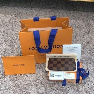 BNIB🎊 Louis Vuitton Ebene Key Pouch Key Cles